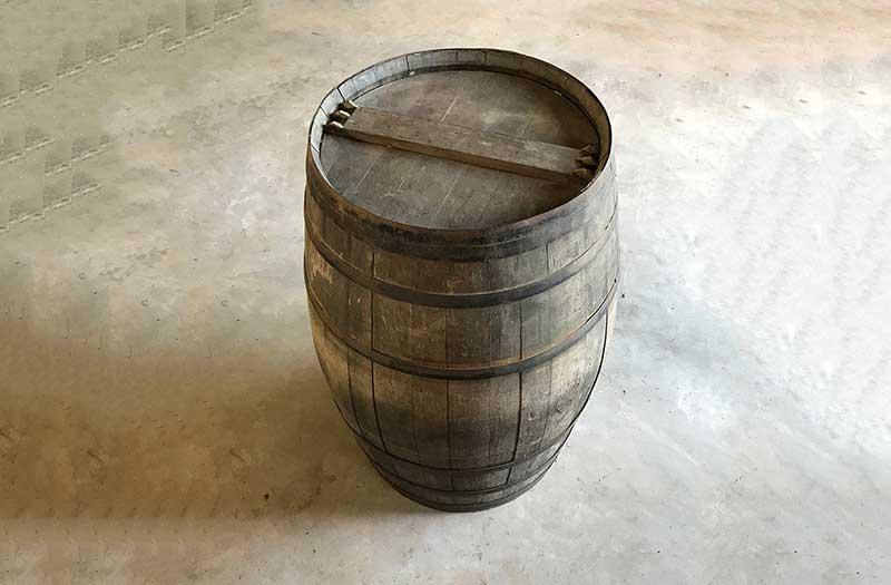 ワインを貯蔵していた樽