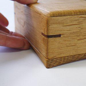 木製バターケース のカーブしている底の部分