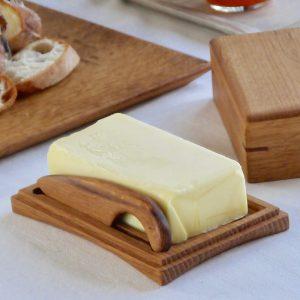 木製バターケース /ディッシュ型でバターを使う。