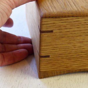 ポンドサイズ木製バターケース を持ち上げ易いカーブした底板