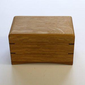 上蓋をかぶせたポンドサイズ木製バターケース